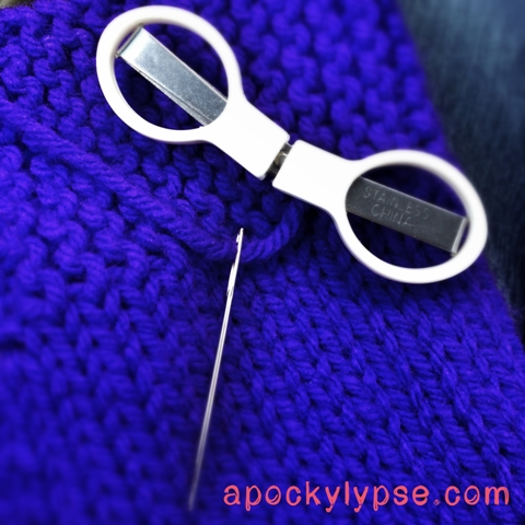 acrafty interview with Apockylypse knit needle yarn scissors