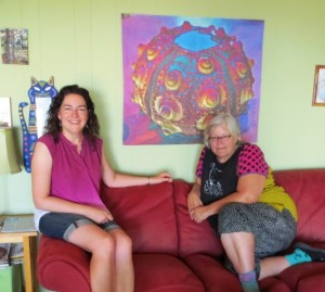 acrafty interview - betty busby with her quilt disco urchin