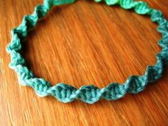 variegated floss projects part 3 - hemp macrame variegated bracelet