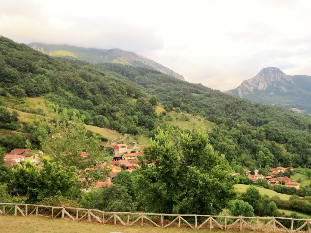 gypsy ways update 7 - the tiny village of Carrea, near san martin de teverga, asturias