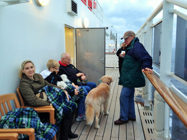 gypsy ways update 10 - qm2 kennels on deck